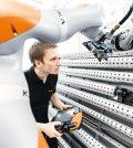robot Kuka smart manufacturing Mecspe 2018